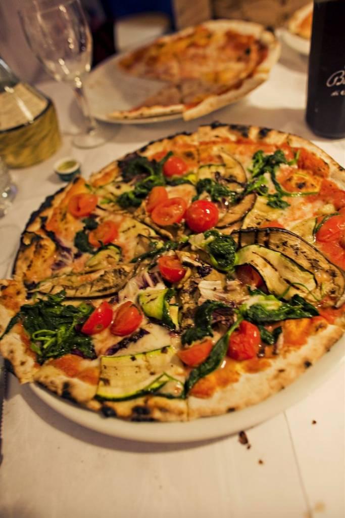 pizza w veggies