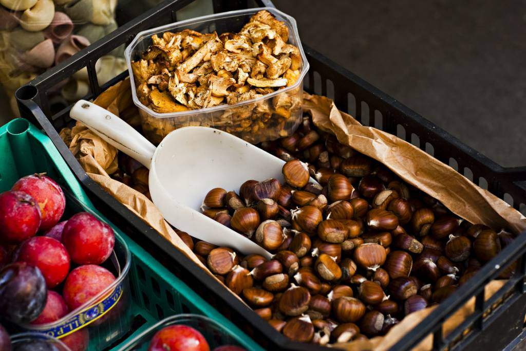 chestnuts are a classic food to eat in autumn in Italy